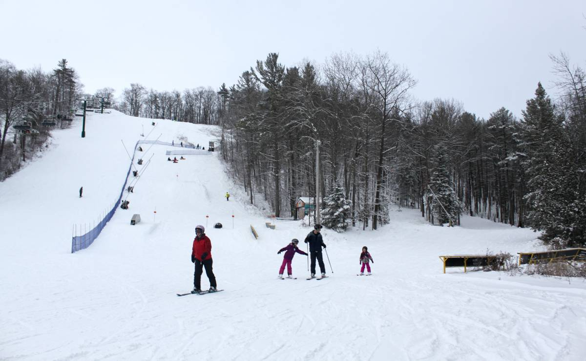 Inquinte Ca Batawa Ski Hill Now Open For The Season